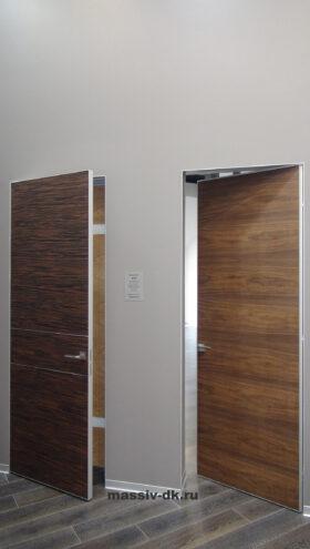 Классическая система открывания дверей. Приоткрытая дверь