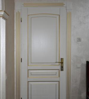 двери из массива в интерьере Элида слоновая кость