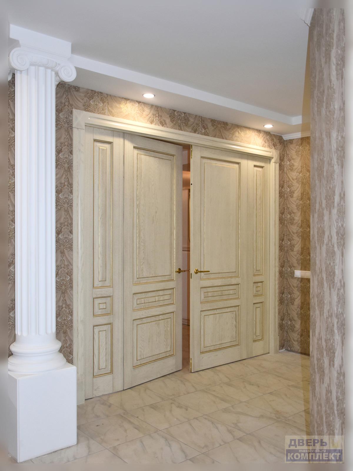 Дверь из массива дерева Стефана в интерьере